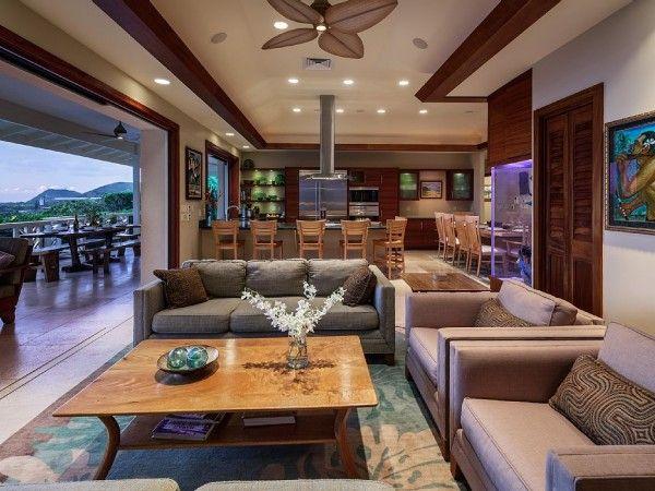 Luxury Indoor/outdoor Living Room