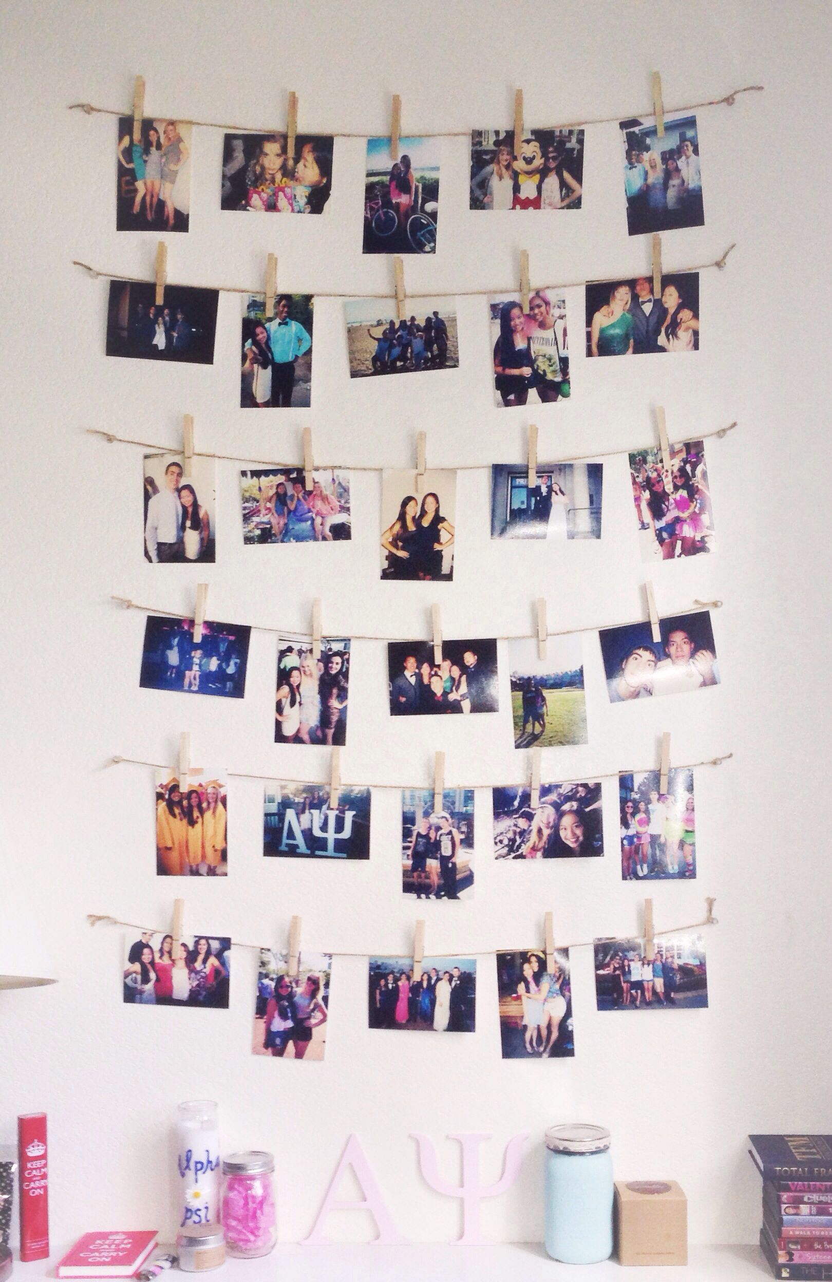 Photo Decoration In Room 50 Decoration Ideas To Personalize Your Dorm Room With Babysitting