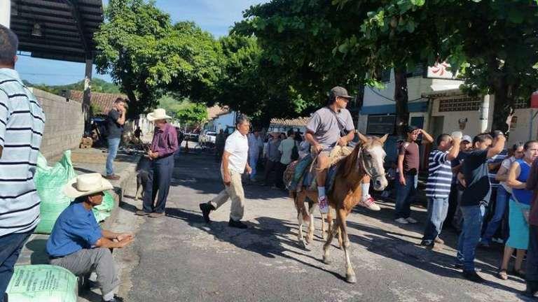 Municipio de La Reina, Chalatenango Ver más: http://elsalvadoreshermoso.com/2016/09/la-reina-chalatenango.html