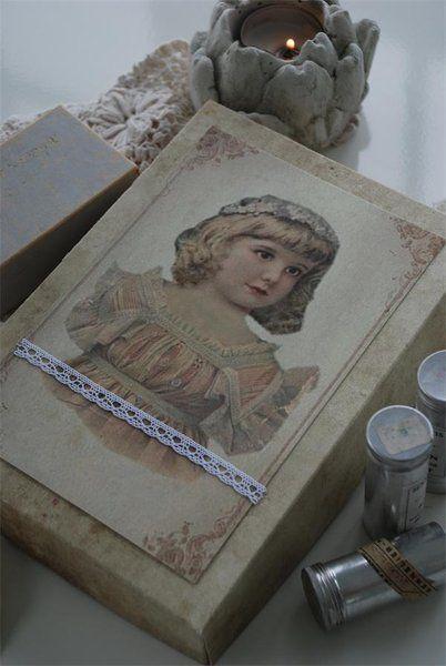 Vintage Box Nostalgie Girl verziert Jeanne d´Arc living - Vintage Home