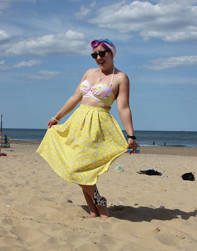 Midi Skirt and Ice Cream Print bikini top beach outfit