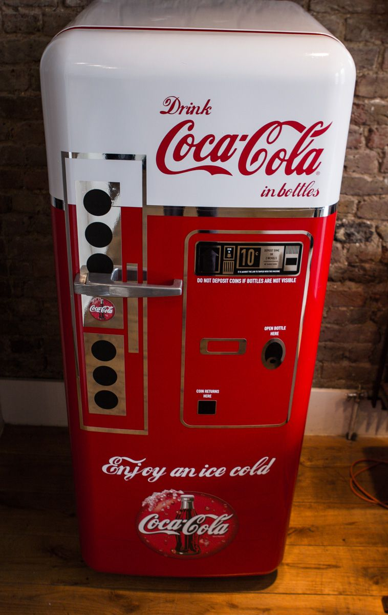 custom coca cola vending machine fridgewrap. Black Bedroom Furniture Sets. Home Design Ideas