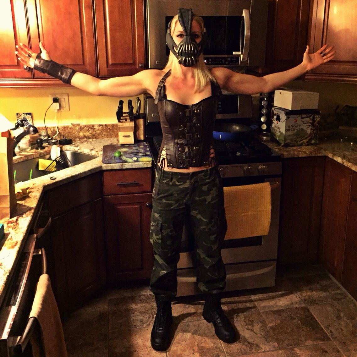 Female bane costume diy halloween costumes pinterest bane female bane costume diy solutioingenieria Choice Image