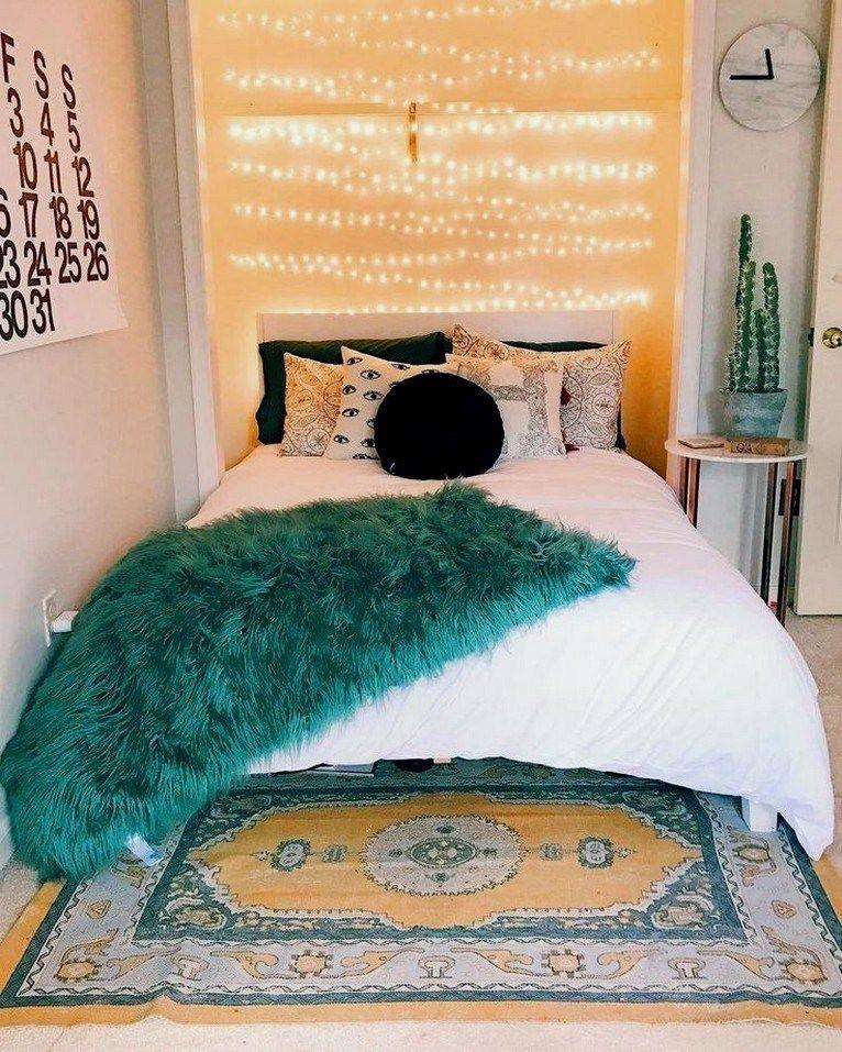 20+ Cute Dorm Rooms We're Obsessing Over #cutedormrooms #dormroomsideas #dormroomsdecor ⋆ amplifiermountain.org #cutedormrooms