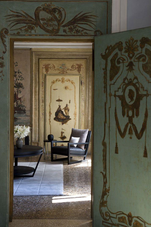 Aman Canale Grande Hotel, Venice, Italy Victor hugo, Boiseries et - decoration portes d interieur