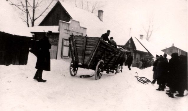 Zawiercie, A German policeman overseeing the deportation of Jews.