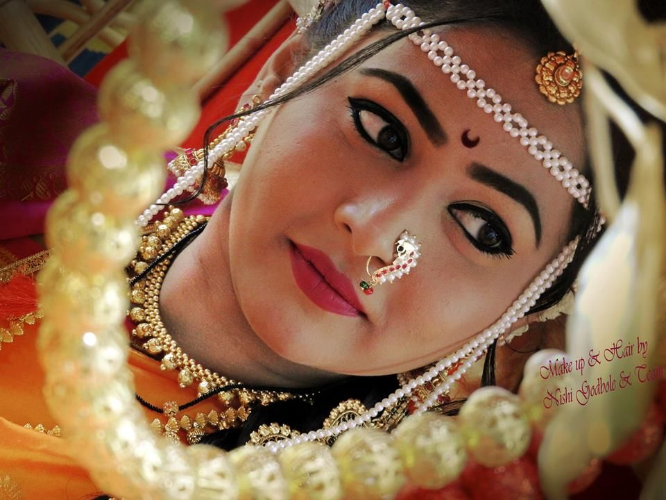 Explore and hire best makeup artist in delhi ncr near you