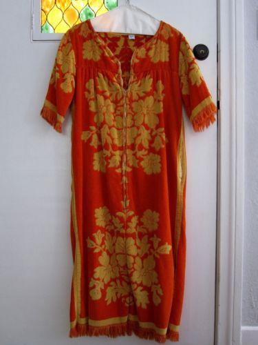e6f60ee634287 Vintage 60s 70s Boho Retro Mod Terry Cloth Housecoat Robe Hippie Towel  Cover Up | eBay