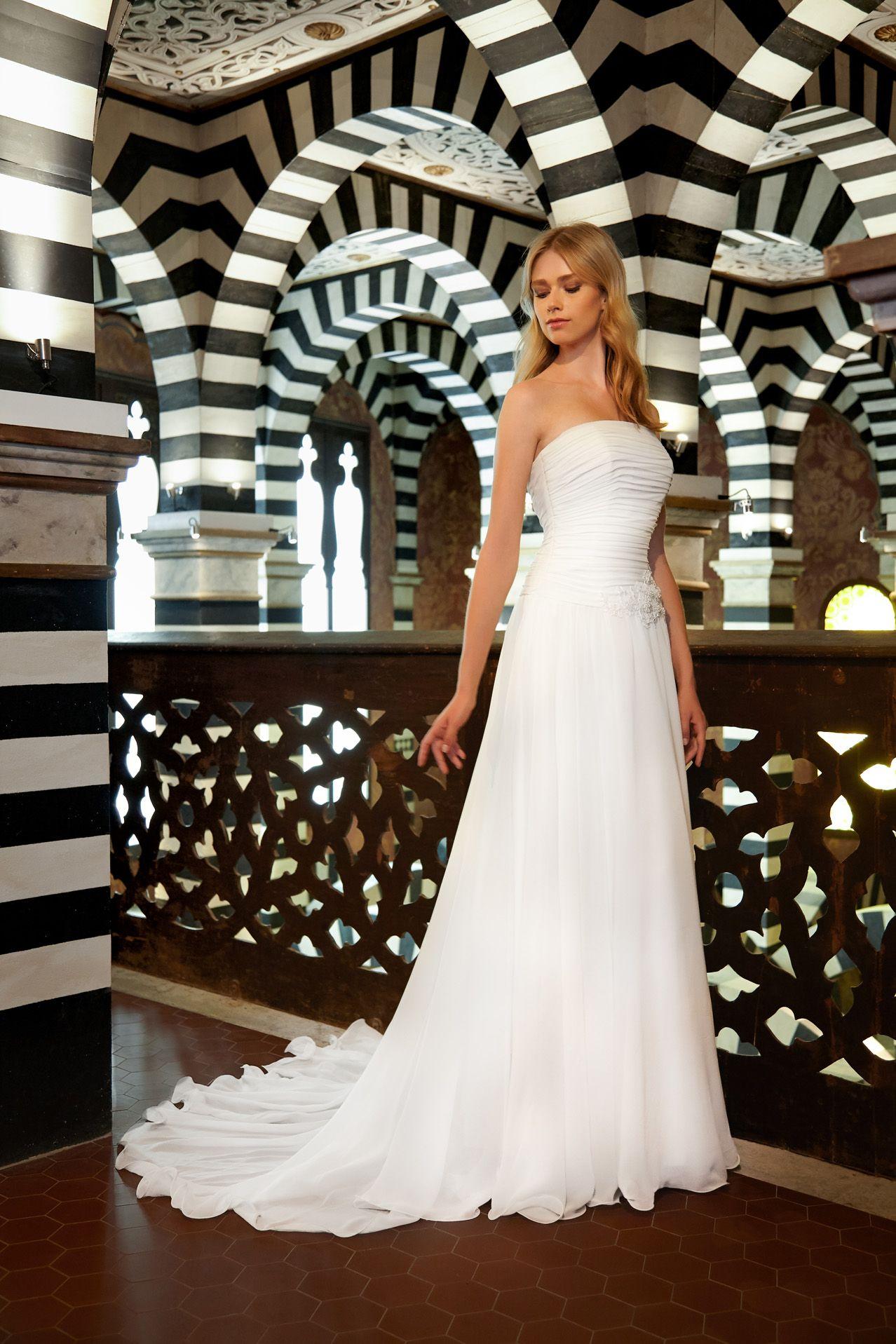 MODELLO SB 0818 Abito da sposa raffinato ed elegante con