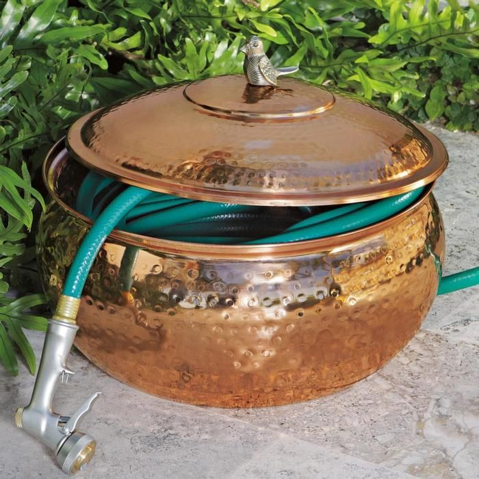 copper garden hose pot outdoor garden pinterest drau en und g rten. Black Bedroom Furniture Sets. Home Design Ideas