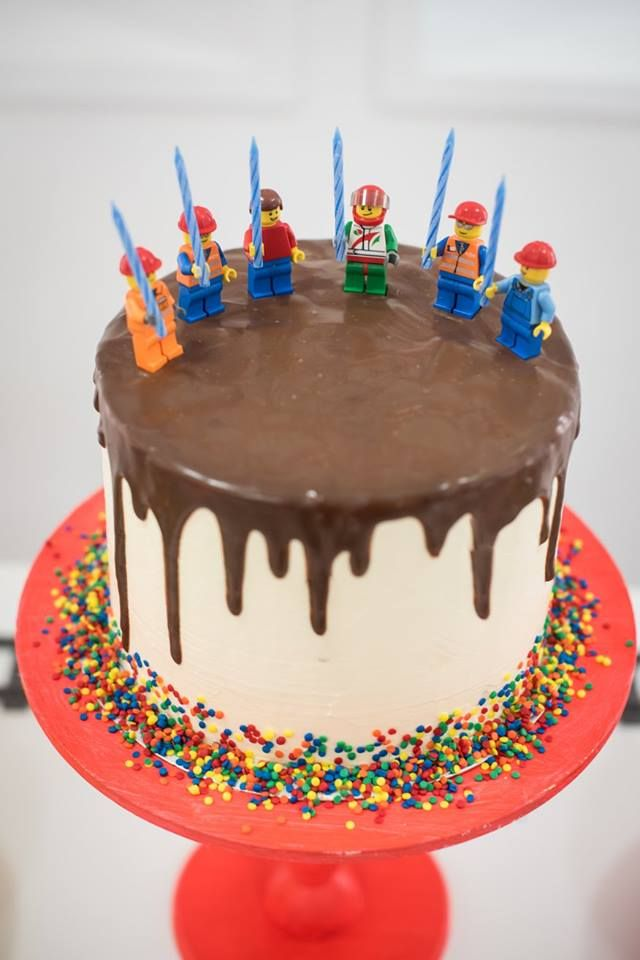 Birthday Set w// Boy Minifigure /& Presents Cake Topper Table Centerpiece LEGO