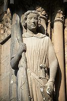 Gothic statues  from the South Porch of Cathedral of Chartres, France. . A UNESCO World Heritage Site. - (ja, ich weiß, ist knapp am 12. Jahrhundert vorbei.... :-))