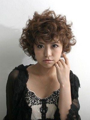 カーリーボブ ヘアスタイル 髪型 All About カーリーボブヘア