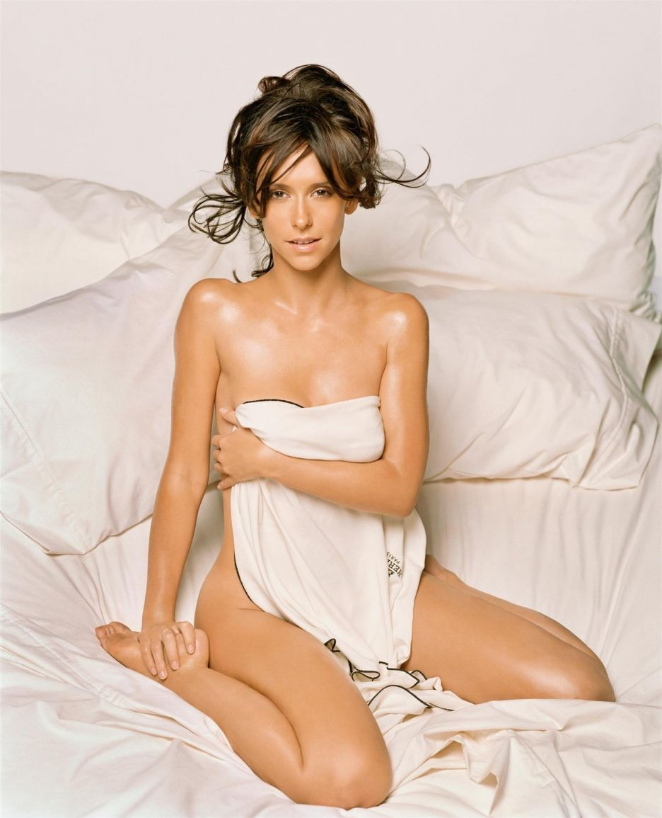 Jennifer Love Hewitt born February 21, 1979 (age 39) Jennifer Love Hewitt born February 21, 1979 (age 39) new pics