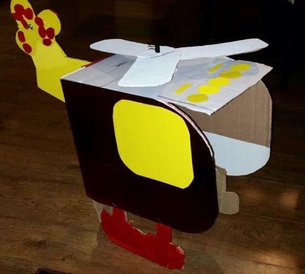 Helicóptero Hecho Con Caja De Cartón Para Niños Yoyo Handmade Tsum Tsum