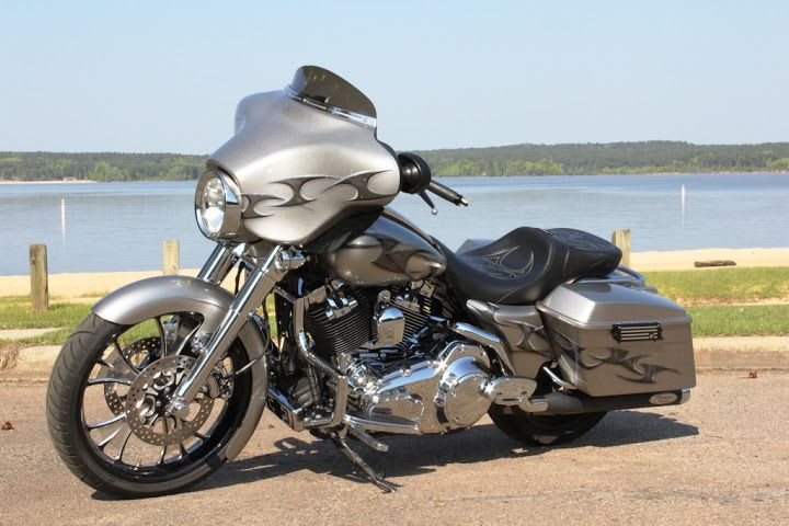 Pics of custom baggers - Page 5 - Harley Davidson Forums
