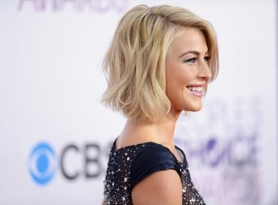 Is There Any Way You Can Make Hair Look Choppy Julianne Hough Short Hair Thick Hair Styles Really Short Hair