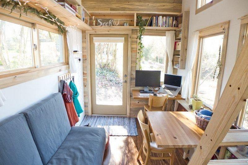 Kleine Räume einrichten - Wohnzimmer mit Holzwand HausInnen - wohnzimmer kleine raume