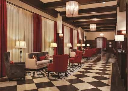 Hampton Inn Suites Bradenton Downtown Historic District Hotel Fl Lobby Night