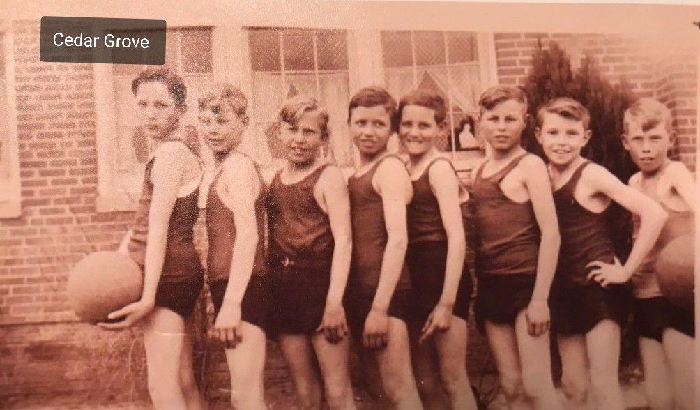 Cedar grove school boys basketball team dellie scroggins