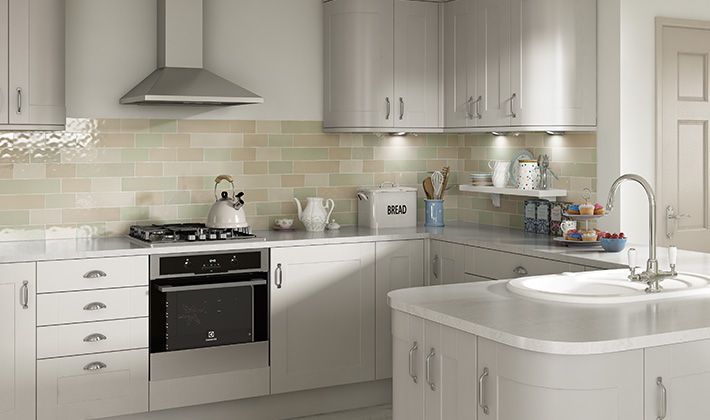The Smooth Creamy Paint Tones Combined With Traditional Shaker Design Makes Atlanta Cashmere A New Kitchen Classic