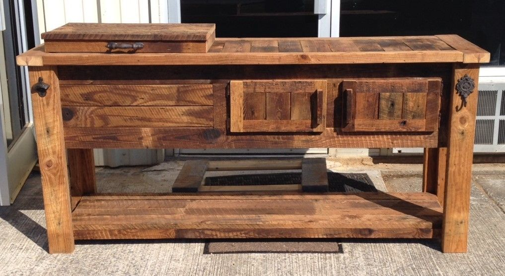 Barn Wood Cooler Bar Reclaimed Barnwood Coolerconsole Woodencooler Barcabinet Barcart Thanksgiving Chr With Images Bar Furniture Reclaimed Wood Bars Wooden Cooler