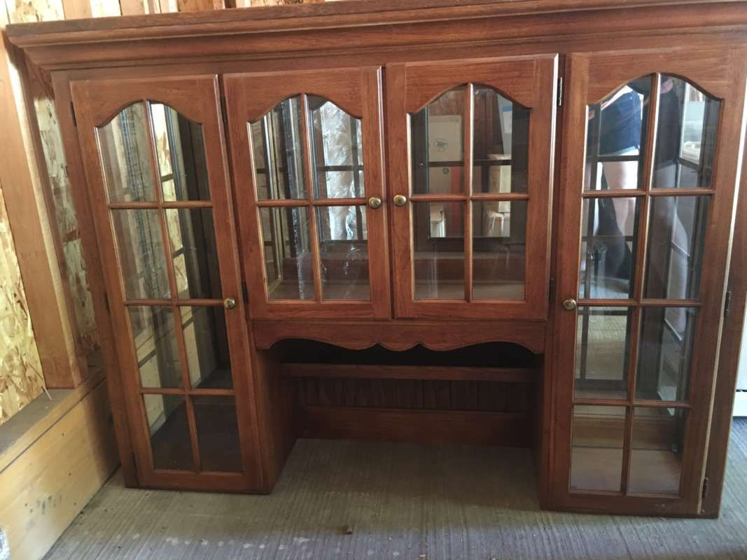 Thomasville Pecan Wood Hutch With Lighted China Cabinet Excellent Condition Good Amount Of Storage Base Is 65 5 Long 18 Deep And 32