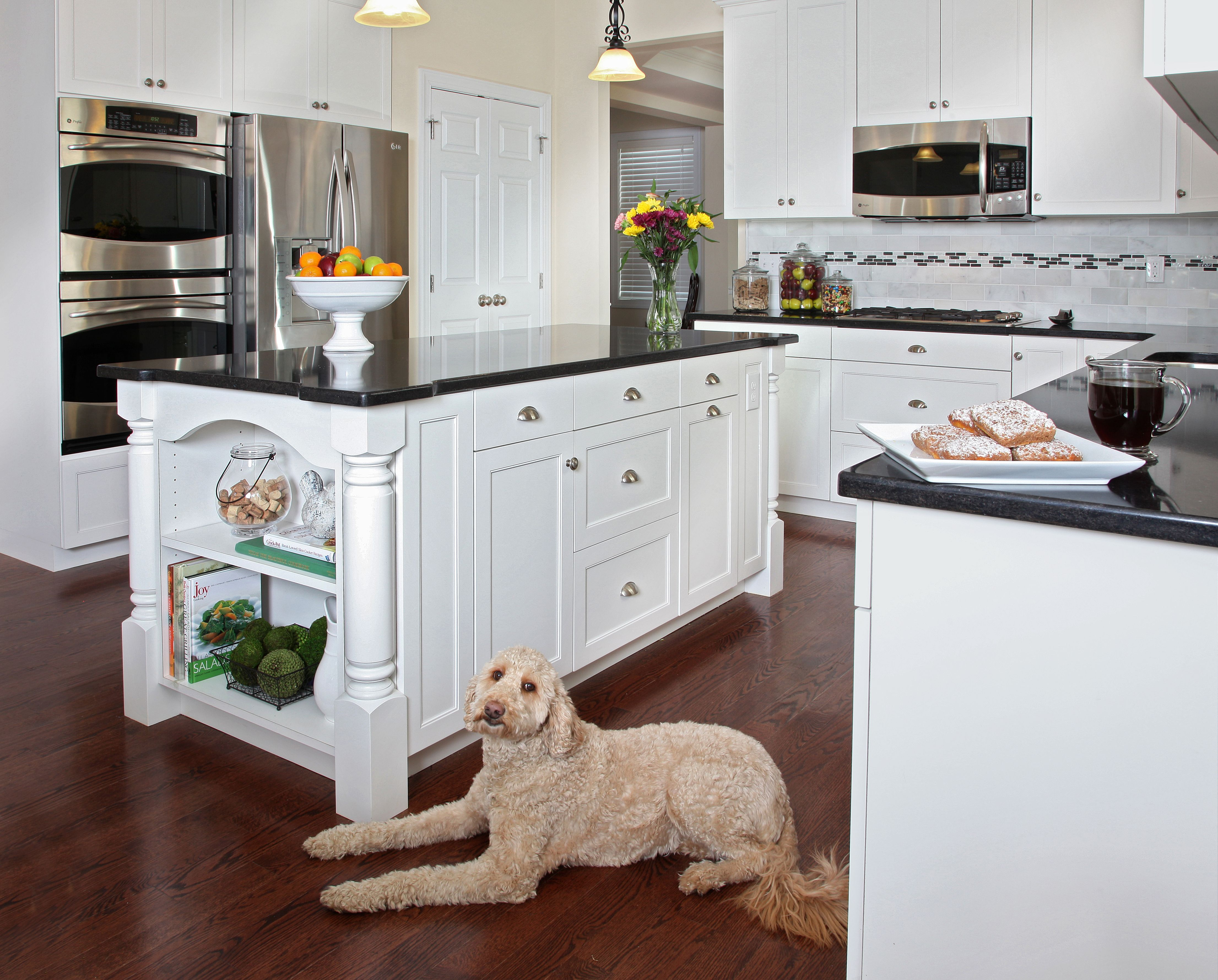 White Kitchens: 4 Ways to Make White Cabinets Work | Comebacks ...