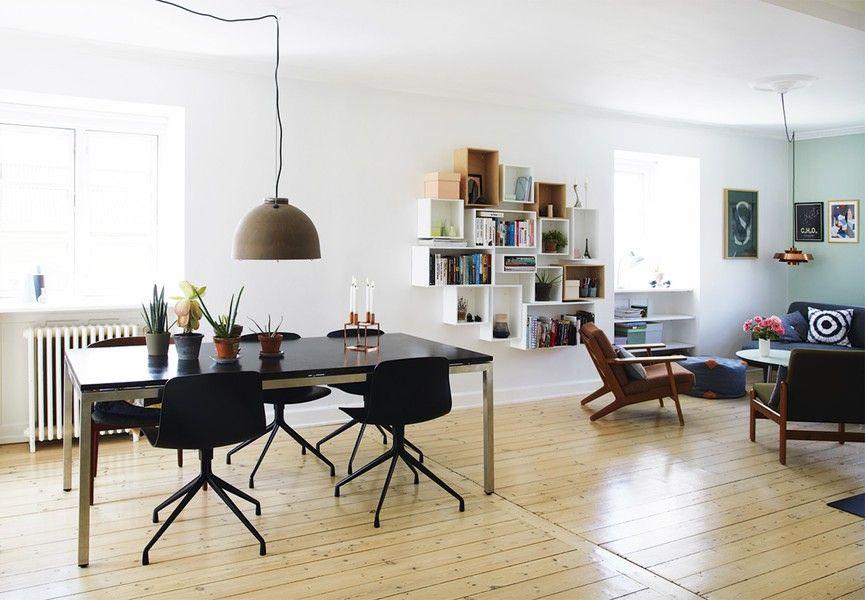 Louise og Morten Bach har skabt en hyggelig og personlig familieoase med retrofund, hjemmebyggede løsninger og grønne nuancer.