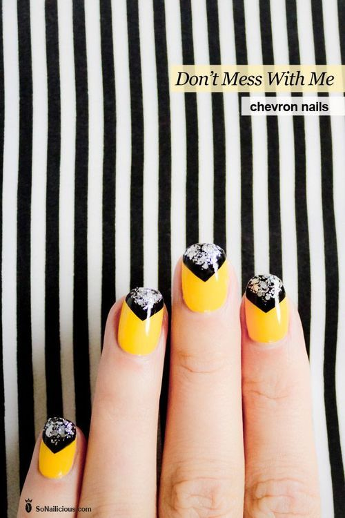 yellow,black and silver chevron nails <3