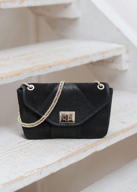 Sézane / Morgane Sézalory - Petit Clark Noir - Collection blue velvet - www.sezane.com #bag #handbag #frenchbrand