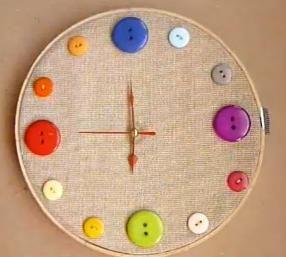 C mo hacer un reloj de yute con botones relojes manualidades ni os pinterest - Manualidades relojes infantiles ...