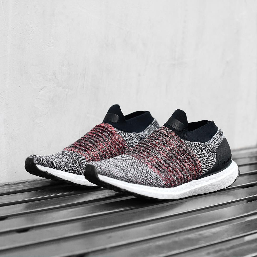 premium selection 1f1df 6b35b Adidas UltraBoost Laceless Sports Shoes, Shoes Sport, Shoes Sneakers, Toms  Shoes For Men