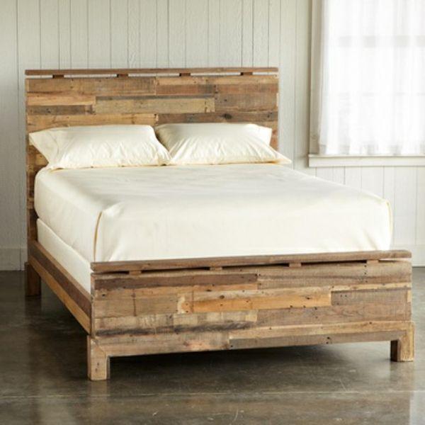 Bett aus treibholz  bett aus paletten bauen diy ideen im schlafzimmer | palettenmöbel ...