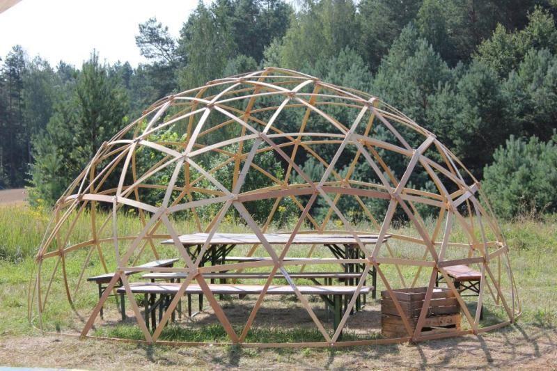 einzigartige geod tische kuppel aus bettlatten es sind zahlreiche nutzungsm glichkeiten f r. Black Bedroom Furniture Sets. Home Design Ideas