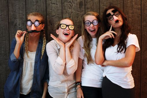 I want this kind of photoshoot with my bestest friends on my eighteenth birthday, for suuuure.