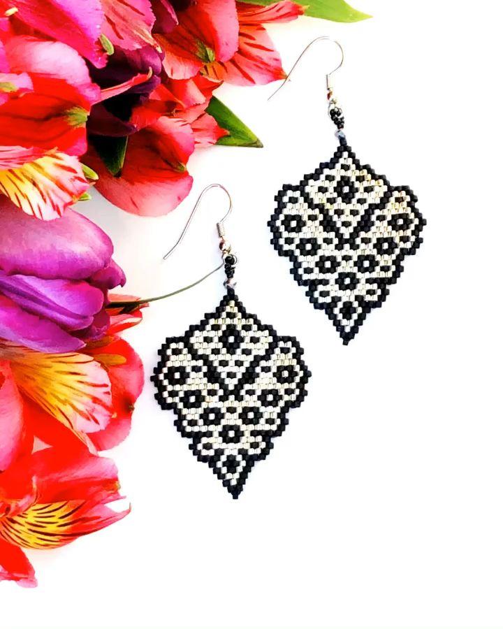 Miyuki Delica earrings,seed beads earrings,brick stitch pattern,bead weaving,beadwork