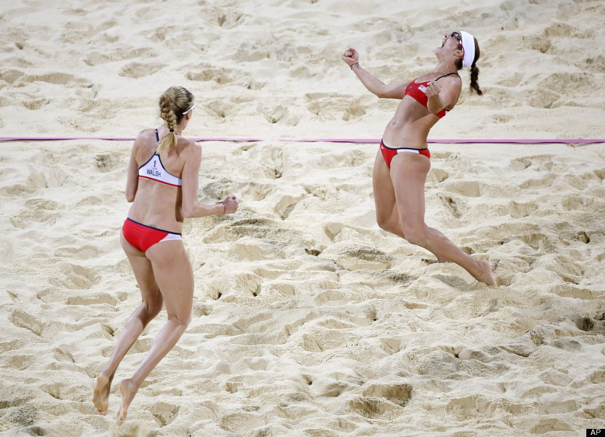 Misty May Treanor Reacts After She And Teammate Kerri Walsh Jennings Beat April Ross And Jennifer Kessy Duri Beach Volleyball Olympic Hero Summer Olympic Games