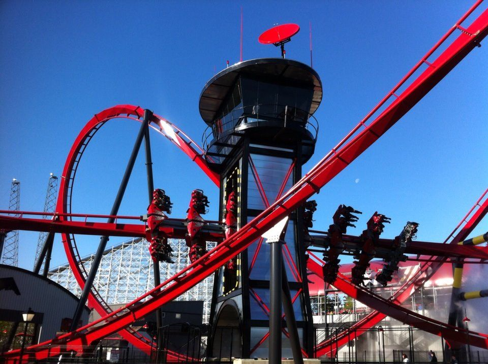 X Flight Six Flags Great America Roller Coaster Roller Coaster Ride Theme Parks Rides