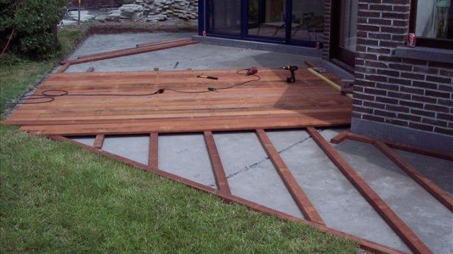 Houten terras aanleggen tuintje pinterest patios and gardens - Terras hout ...