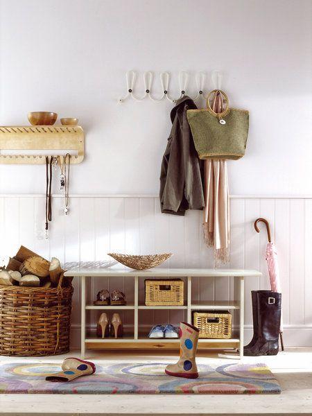 Zapatos y bolsos ideas decorativas pinterest - Zapatero entrada casa ...