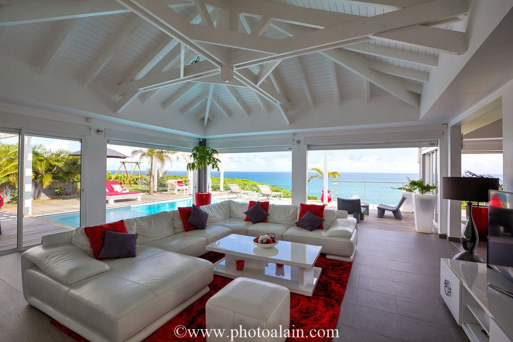 location villa de luxe vue mer salon maison moderne. Black Bedroom Furniture Sets. Home Design Ideas