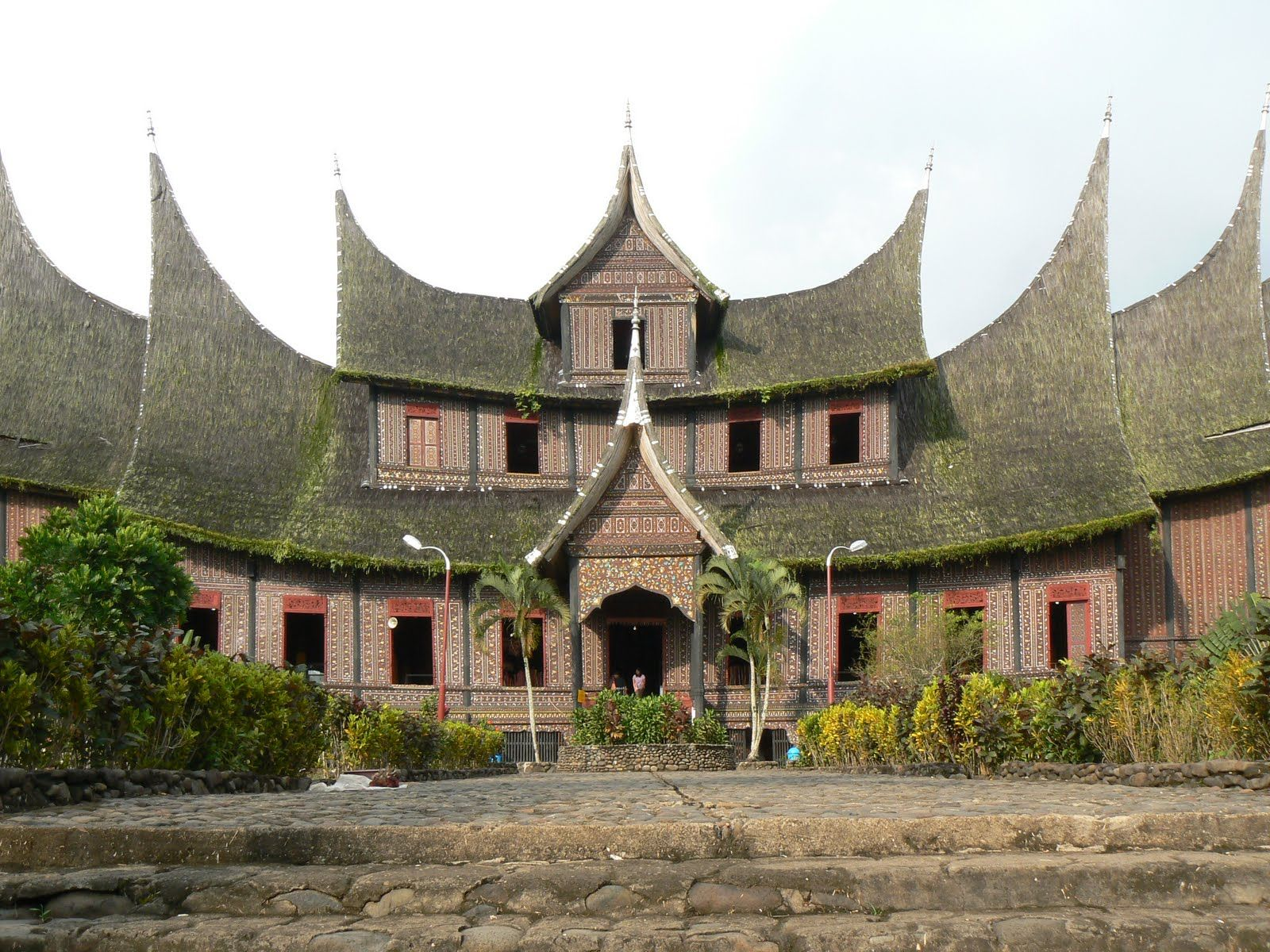 Indonesian traditional home styles house for Traditional house styles