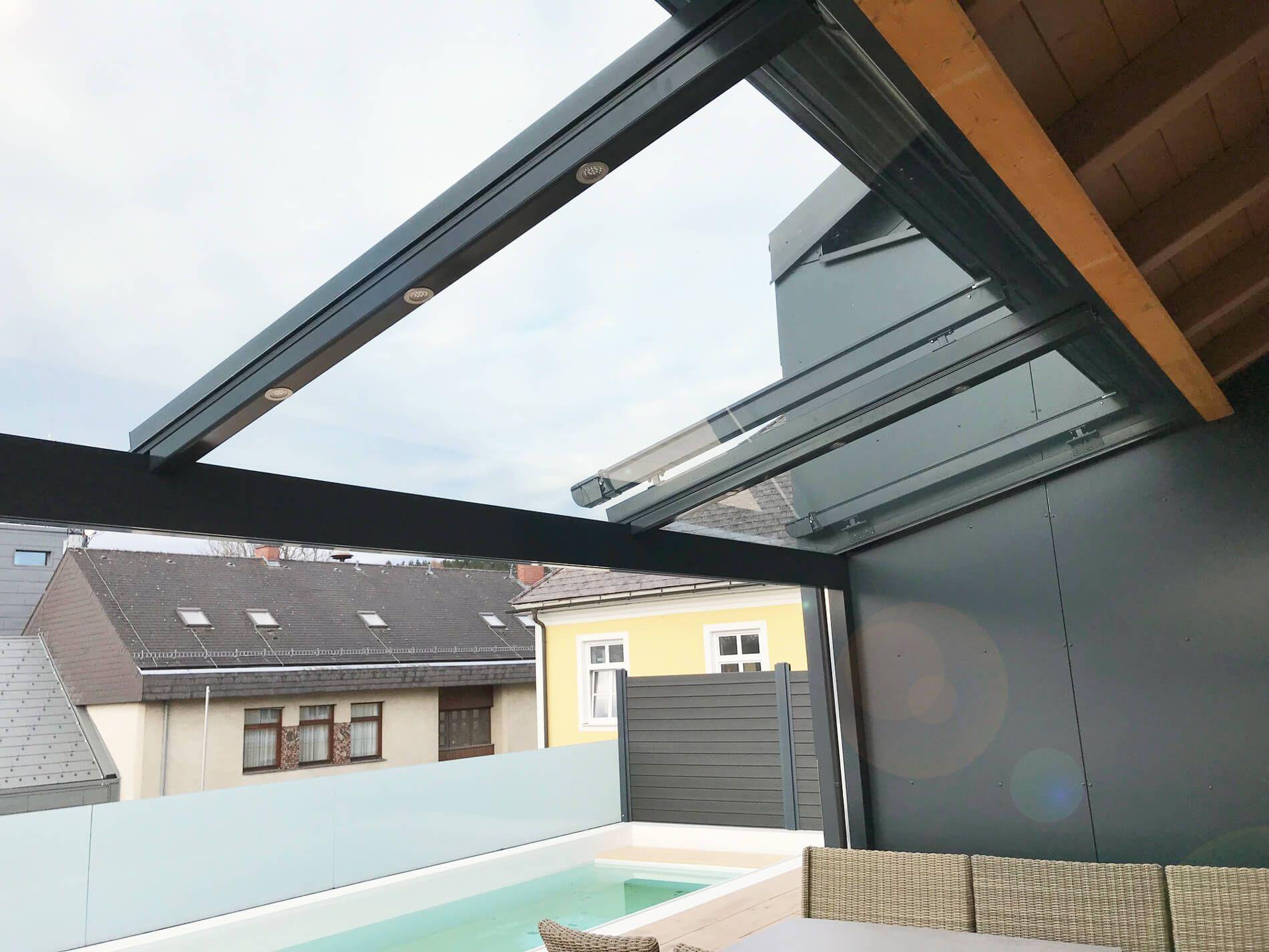 Terrassenuberdachung Mit Led Leuchten Und Dach Glas Uberdachungen Uberdachung Terrasse Terrassenuberdachung
