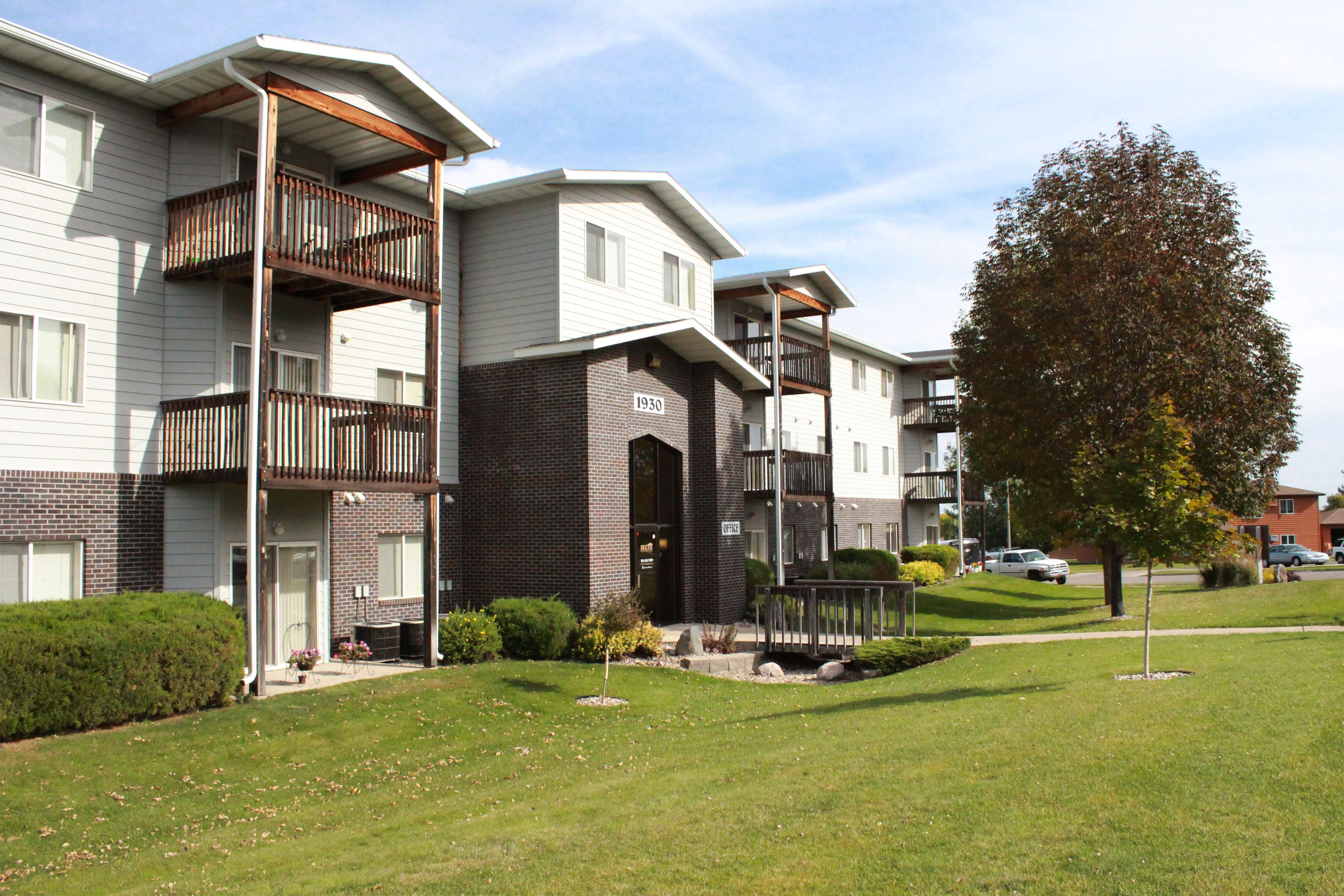 Apartments For Rent In North Dakota Nd North Pointe Apartment Homes Apartments For Rent Apartment Mansions