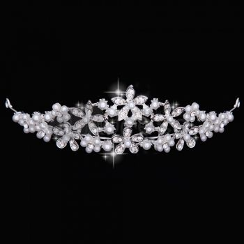 The sweet silver rhinestones married accessories