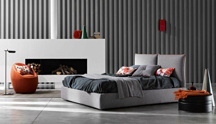 Bett Im Schlafzimmer Design Modern Italienisch Lecomfort , Schlafzimmer Mit Kamin Das Kopfbrett Imitiert Große Kissen