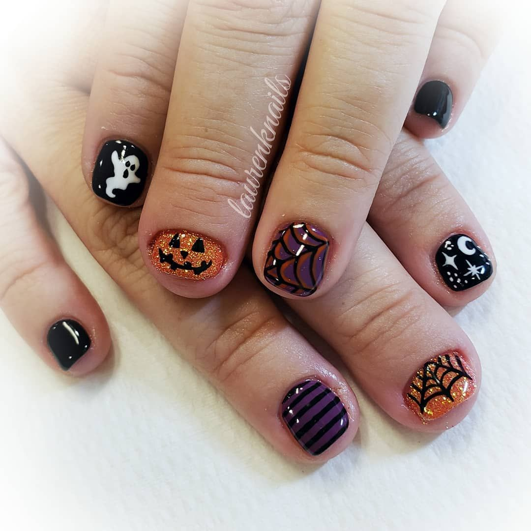 Halloween Art For Short Nails In 2020 Halloween Nails Nails Short Nails