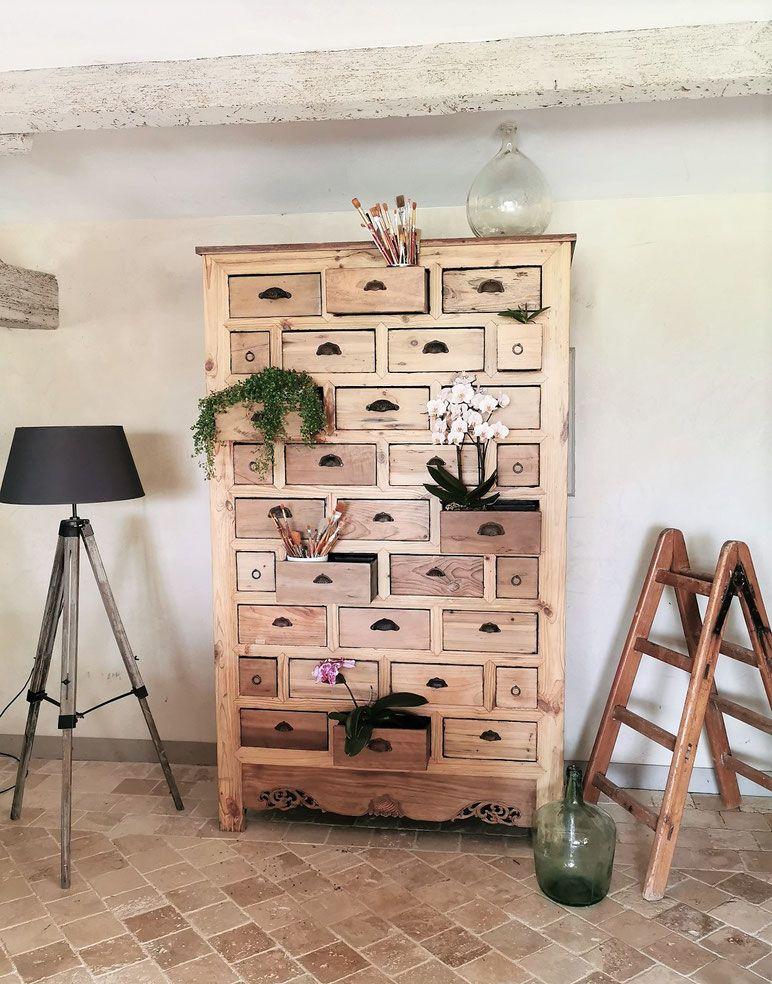 Petite Armoire Vitree Vintage Vendue Site Des Patines De Melusine En 2020 Mobilier De Salon Idees De Decor Armoire Vitree