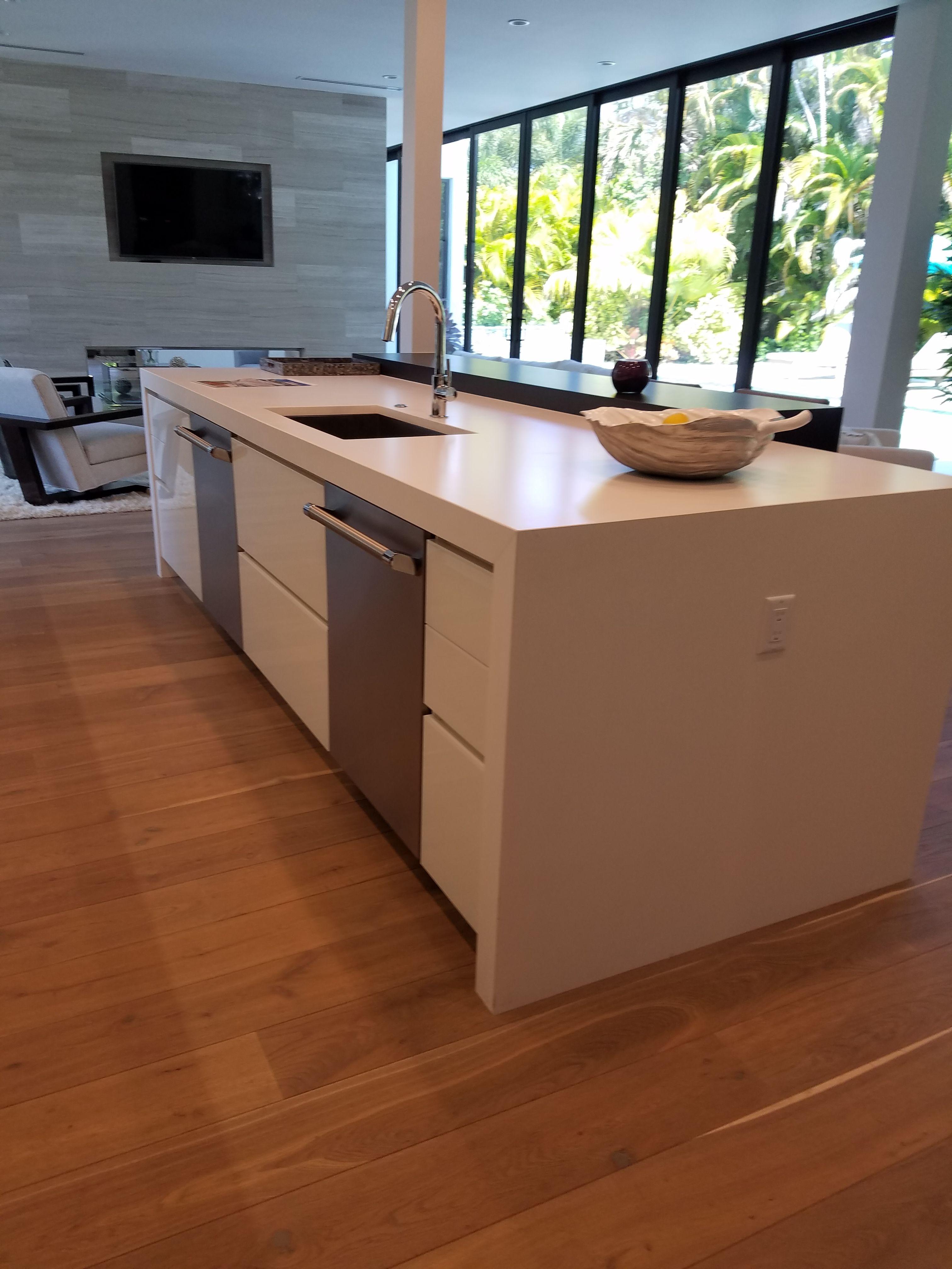 Ultracraft Cabinets Coastal Grey Coastal Kitchen Interiors Cki Naples Fl Ultracraft Kitchen Interior Kitchen Design Small Cottage Kitchen Cabinets